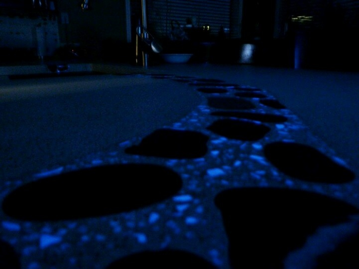 Best 25 Glow Stones Ideas On Pinterest Diy Resin Bar