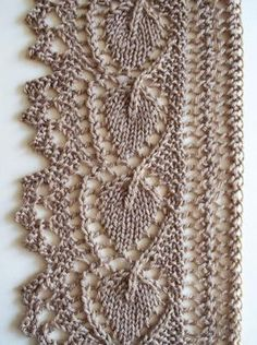Lovely knitted lace edging. Click for full-screen display