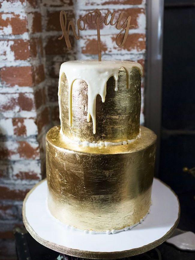 20 Metallic Wedding Cakes | SouthBound Bride | http://www.southboundbride.com/20-more-metallic-wedding-cakes | Credit: Zachary Hartzell/Cozze Cakes via The Overwhelmed Bride