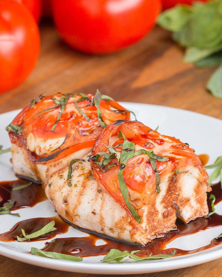 Tomaten, mozzarella, basilicum, kip met balsamico-honings dressing