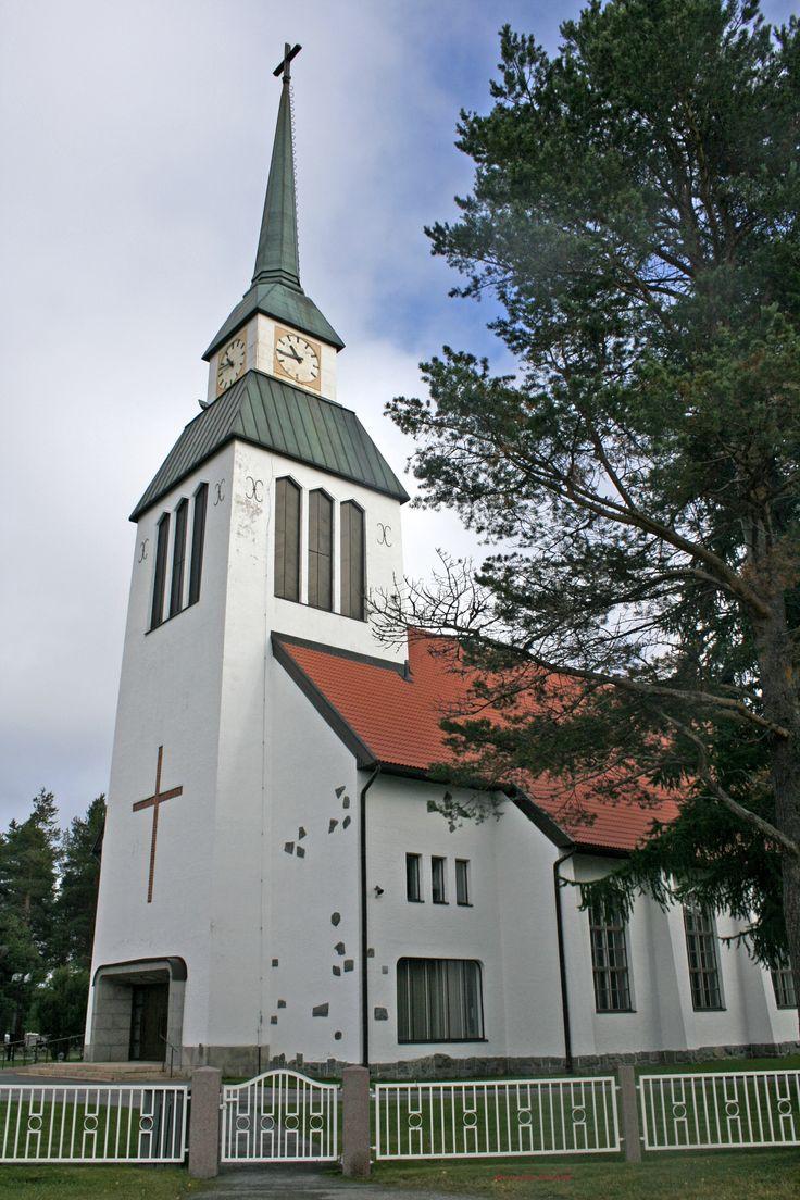 Kuusamon kirkko by Aili Alaiso Finland
