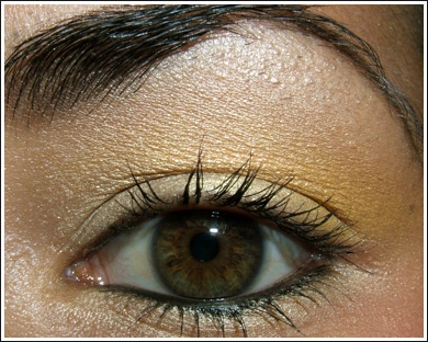 MAC Cosmetics - Yellow/Gold: Goin' Bananas, Rose Blanc, White Tie eye shadow
