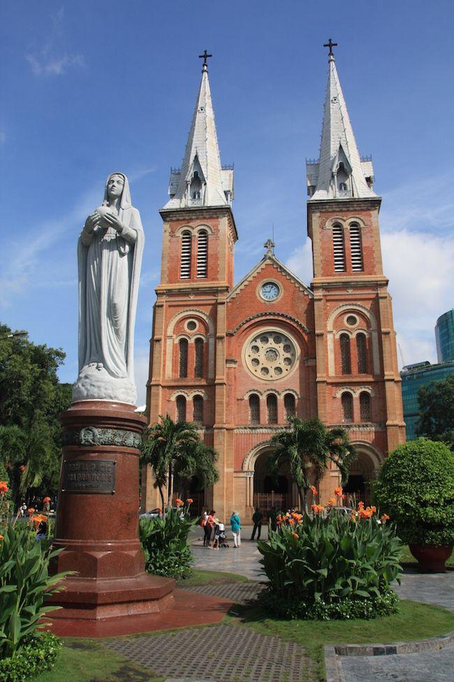 Basilica de Notre Dame, en Saigón (Vietnam)