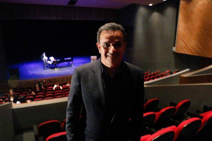 Ya llegó el Tenor Fernando de la Mora al Teatro del Centro de las Artes y en menos de una hora dará inicio su Clase Magistral en torno al arte de la ópera. Acompáñalo! #CONARTE20 Con apoyo de Conaculta