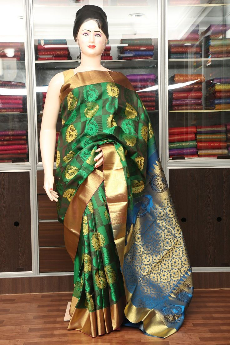Bottle green bridal saree with magenta border with blue pallu -  VBL4F3A9221