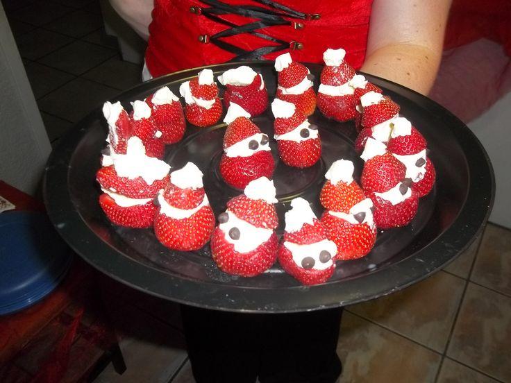 Yummy!!  Cream cheese, strawberries and voila!