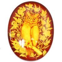 宝石名 琥珀 サイズ 35x27 重 量 15.67ct カ ッ ト オーバル フクロウインタリオ  熟練の職人の手によって芸術的な彫りが施された琥珀 縁起物として人気のフクロウモチーフです 濃淡を利用して繊細に彫刻されたフクロウと薄い原石に大胆かつ立体的に彫り込まれた花 美しいインタリオをぜひお手にとってご覧下さい