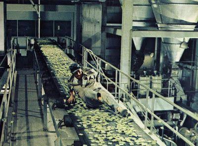 BLACK HOLE REVIEWS: SOYLENT GREEN (1973) - film vs book