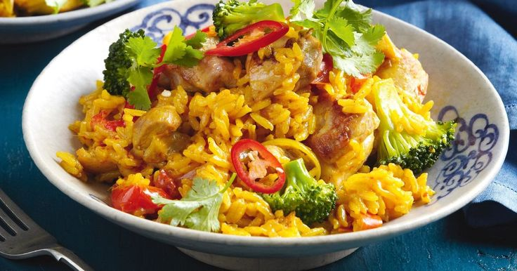 A few slices of red chilli will spice up this tasty Thai chicken and jasmine rice.