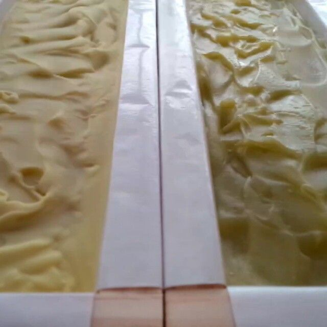 """""""Gel phase (insulation of soap in mold) makes for a more translucent and smoother soap; non-gelling gives soaps a more matte finish. Most soapmakers…"""""""