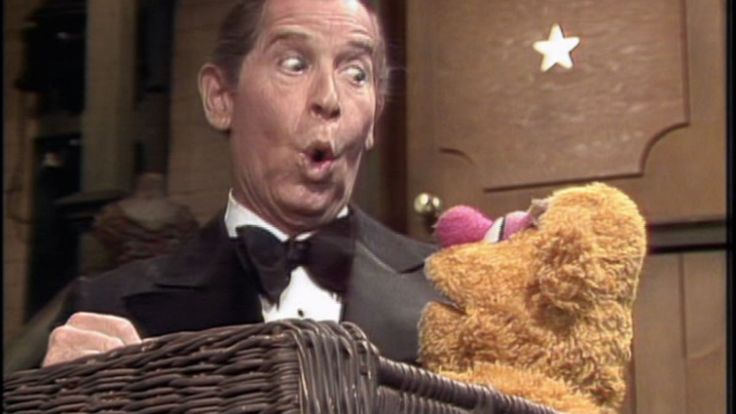 Milton Berle, Fozzie Bear | The Muppet Show: Episode 2.03 (1977)