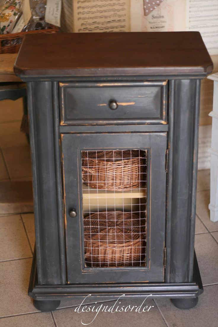 Diy primitive furniture - All Because I Dropped The Door Chicken Wire Cabinetsfurniture Makeoverdiy Furniturepainted Furnituresalvaged Furnitureprimitive