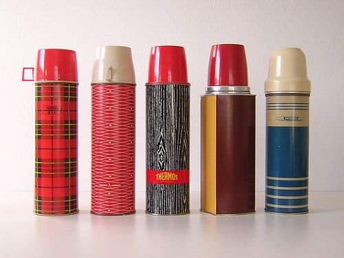 thermos...easiest thing in the world to break.: Soups, Thermos Collection, Lipsticks, Old Schools, Lunches, Vintage Wardrobe, Vintage Thermos, Hot Chocolates,  Lips Rouge