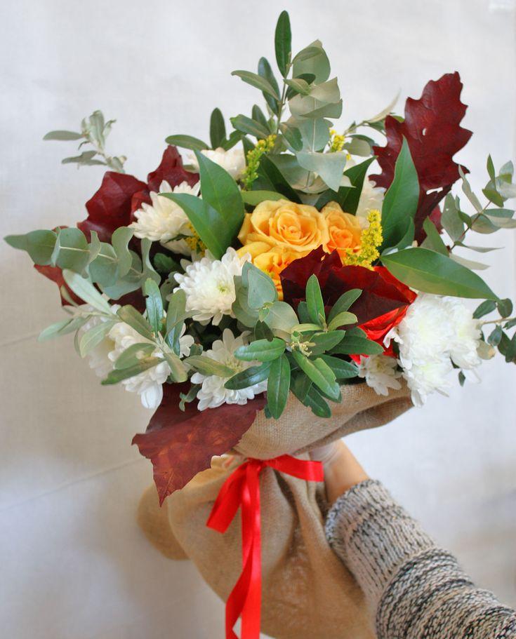 Ανθοδέσμη με λουλούδια εποχής