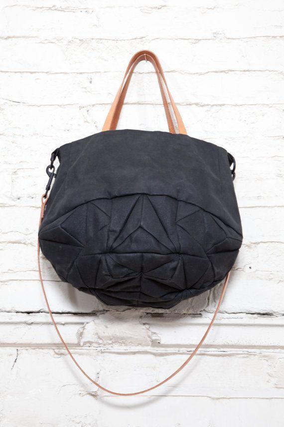 no. 314 Crystal tote bag - waxed cotton: genevieve savard   omg the seamline!!!!
