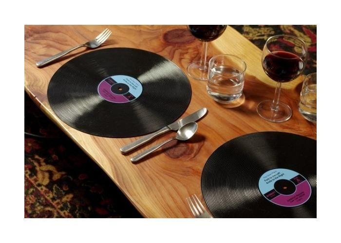 Manteles en forma de discos de Vinil! Consíguelos en Chique!