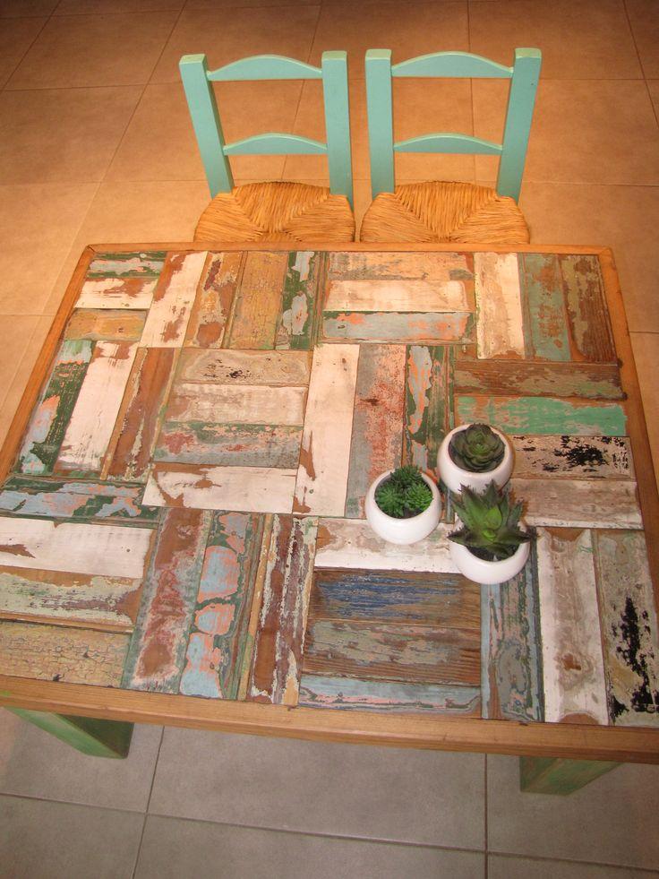Mesa madera de demolición, $3000 en https://ofelia.com.ar