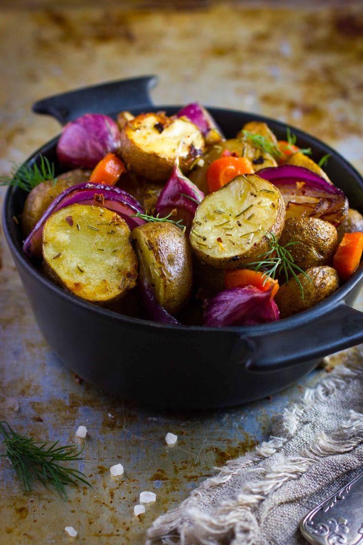 Verdure al forno ricetta perfetta, cipolle patate carote arrosto verdure arrosto