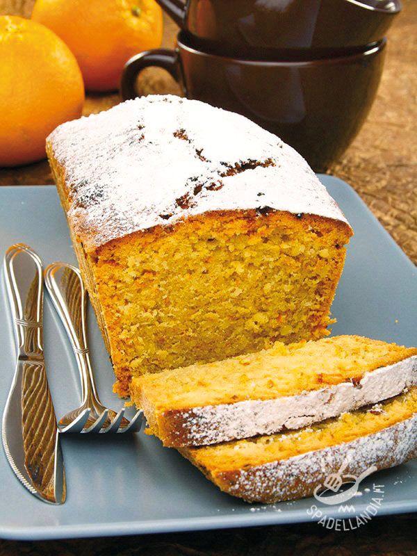 Il Plumcake all'arancia è un grande classico per gli amanti dei plumcakes che amano questi dolci nelle versioni più golose.
