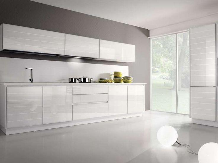 Oltre 25 fantastiche idee su cucine bianche su pinterest - Cucine ante in vetro ...