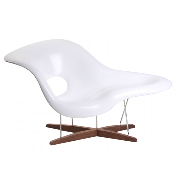 Eames style baha chaise classic designs pinterest for Chaise eames style