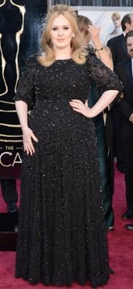 Adele 2013 Oscars Red Carpet wearing a Jenny Packham beaded dress.