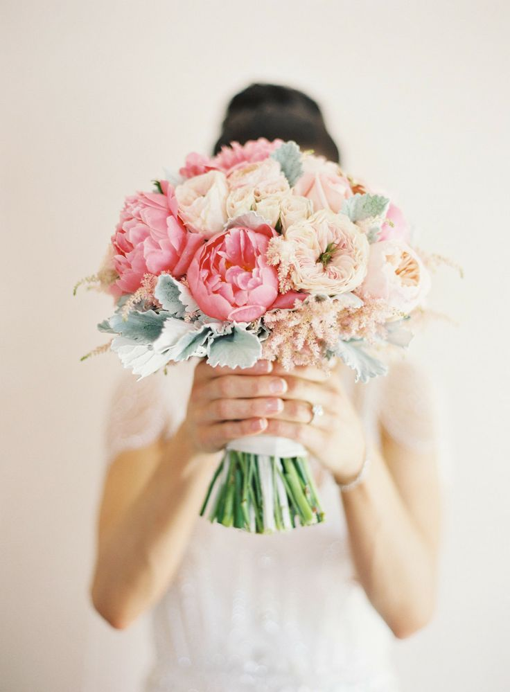 Peonies + Roses = Nothing Better | Photo: Lanielias.com