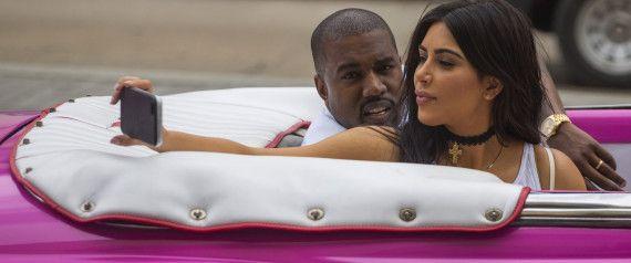 Kim Kardashian e Kanye West a Cuba in Cadillac Rosa