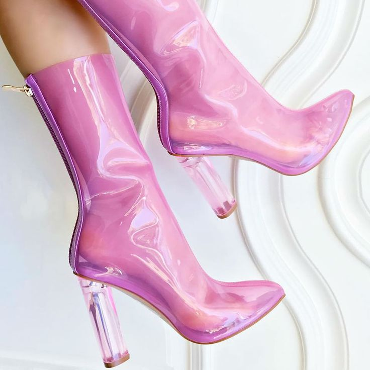 Pink Jelly Booties - A new trend also started to emerge which saw 'Jellies'—colorful, transparent plastic flats—become popular.