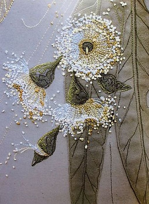 Annemieke Mein - Annameike lives in Australia - hand paint with machine and hand embroidery . . . amazing fiber artist