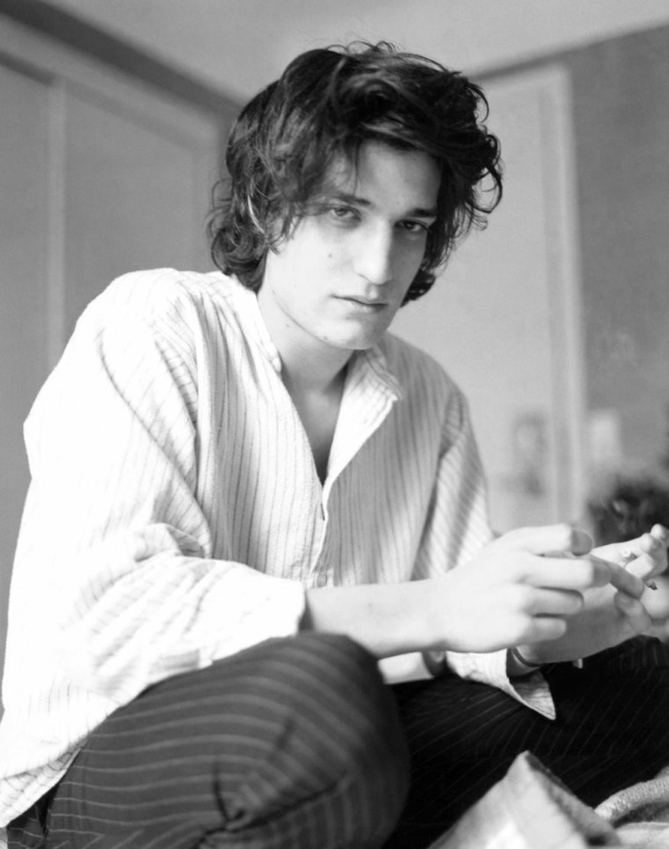 mmmm Louis Garrel