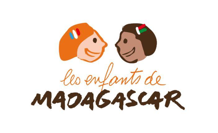 """Voyage en terre Malgache en partenariat avec l'association """"Les enfants de Madagascar"""" de 3 étudiants qui souhaite aider la population dans le cadre d'un projet tuteuré ! https://starter.globedreamers.com/crowdfunding/travels/voyage-en-terre-malgache"""