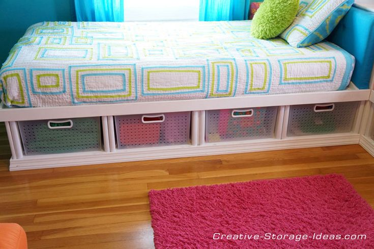 Twin corner beds with under bed storage using Sterilite plastic drawers!