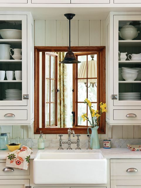 New (Old) White Kitchen Cabinets | Crisp & Classic White Kitchen Cabinets