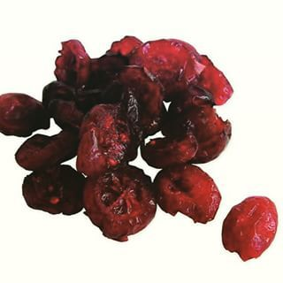 TIP: Dried fruits on the #LowFodmapDiet - avoid IBS symptoms by not consuming most dried fruits *except* for the following- and stick to these servings--1 tablespoon dried #cranberries, 10 Banana chips, 1/4 cup shredded #coconut or 1 piece dried paw paw.