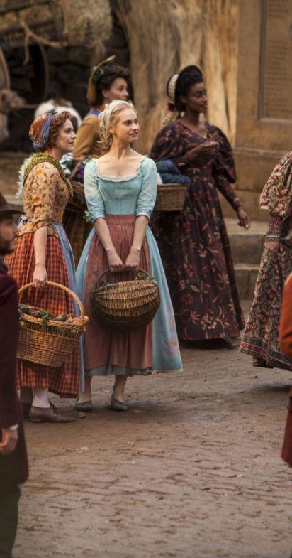 A principio resolvi assistir Reign por se desenvolver em um dos períodos históricos que mais amo, o renascimento. A serie é ambientada na França do século XVI e conta a história da jovem Mary Stuar…