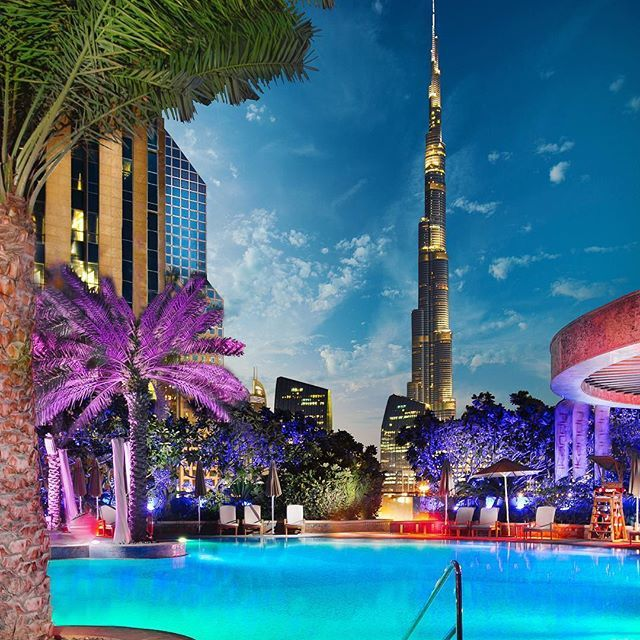 Tag who you'd swim with! Evening pool views @shangrila_dubai  It was so awesom... | http://ift.tt/2b7Z089 #travel #destination #places for #rich #vacation and #holiday around #world. #Get #hotels #Deals at http://ift.tt/2b7Z089 #natgeotravel #agoda #expedia #lonelyplanet