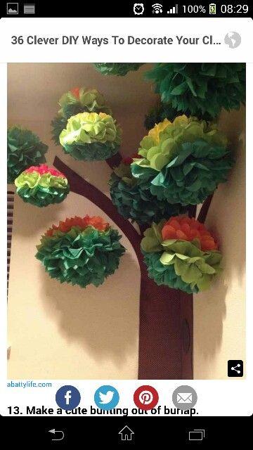 Träd med silkespappersbollar