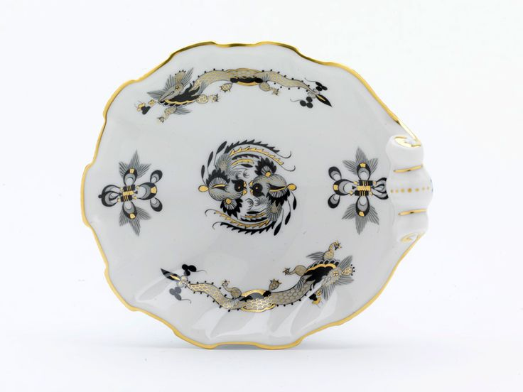 "Salt cellar, Shape ""Neuer Ausschnitt"", Ornate dragon, black, gold accents, gold rim, L 11 cm"