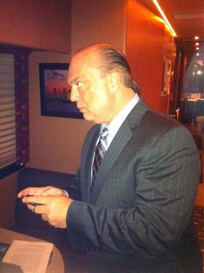 Paul Heyman explica la diferencia de trabajar con CM Punk y Brock Lesnar.