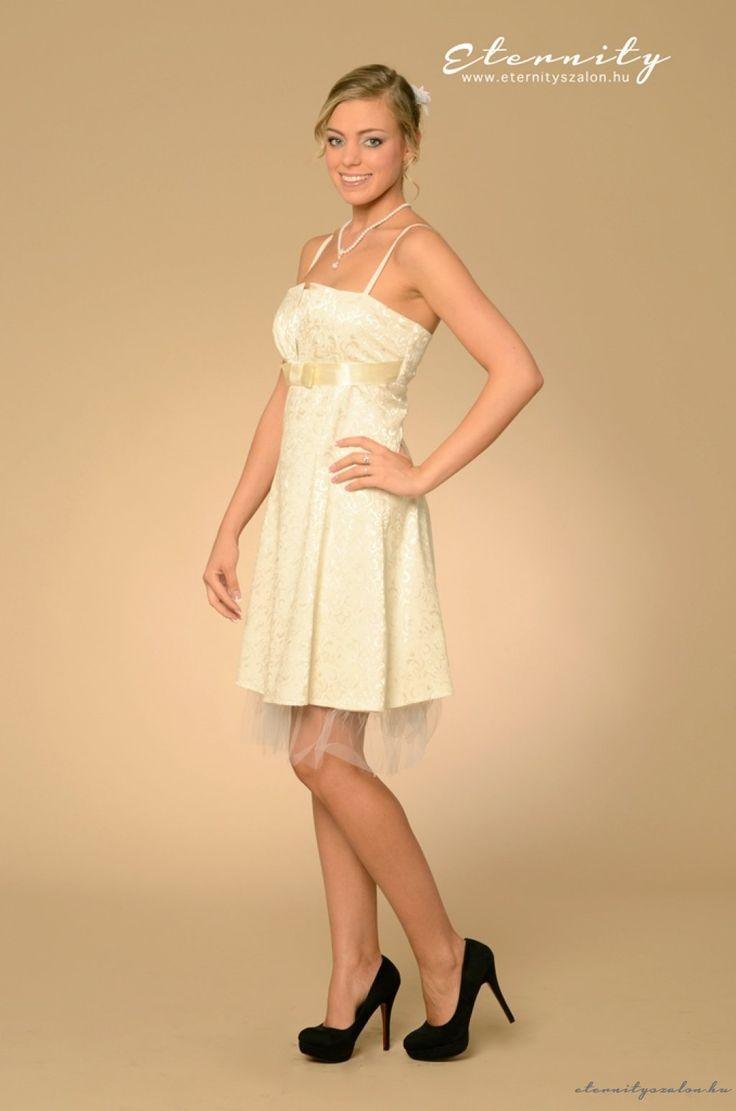 Iza rövid menyasszonyi ruha