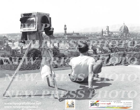 """Grazie alla collaborazione fra la nostra tipografia e lo studio fotografico """"New Press photo"""" di Firenze da oggi potremo pubblicare sulla nostra pagina le foto storiche della nostra amata città Firenze."""