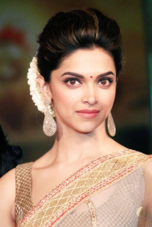 Simple Juda Hairstyle For Saree - Dikatain s