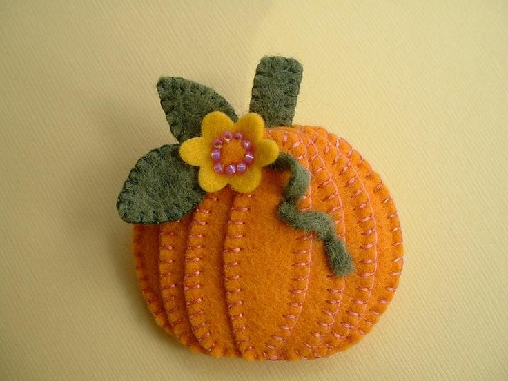 Felt Pumpkin Pin - I really like the texture.