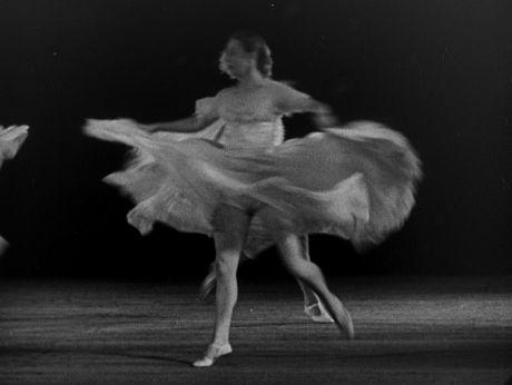 Classic waltz/ Klasyczny waltz w wykonaniu Janiny Leitzkówny. [video] (Repozytorium Cyfrowe Filmoteki Narodowej) #repozytoriumcyfrowe, #dance, #waltz