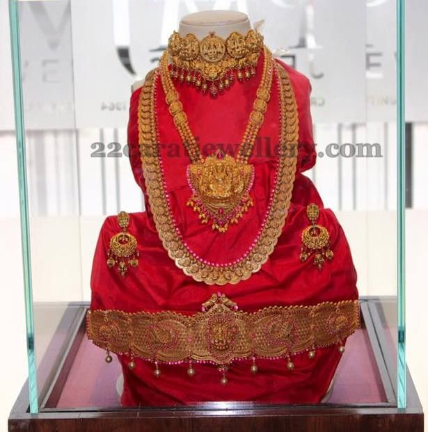 Jewellery Designs: 22kt Lakshmi Traditional Sets