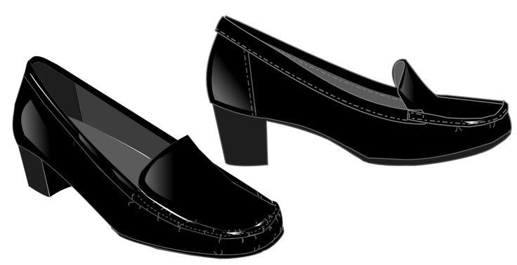 Modelo de sapato tipo mocassim preto feminino.