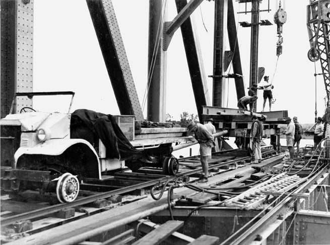 Burdekin Bridge construction 1955. Queensland State Archives.