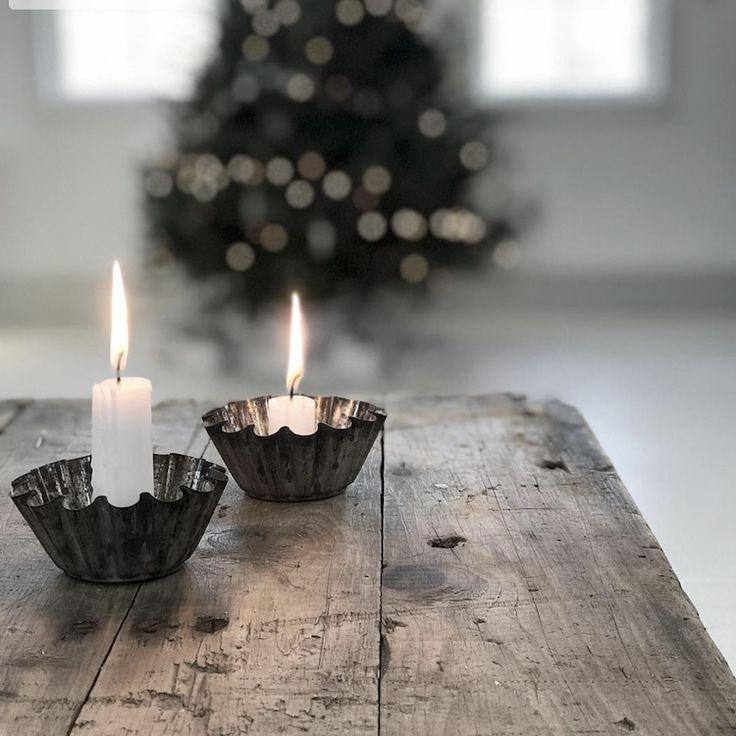 Einfache Aber Hubsche Weihnachtsdekoration Weisse Kerzen In