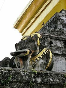 Detail of the chedi of Wat Chang Kham in Nan, Thailand Where to go in Thailand http://www.phuketon.com